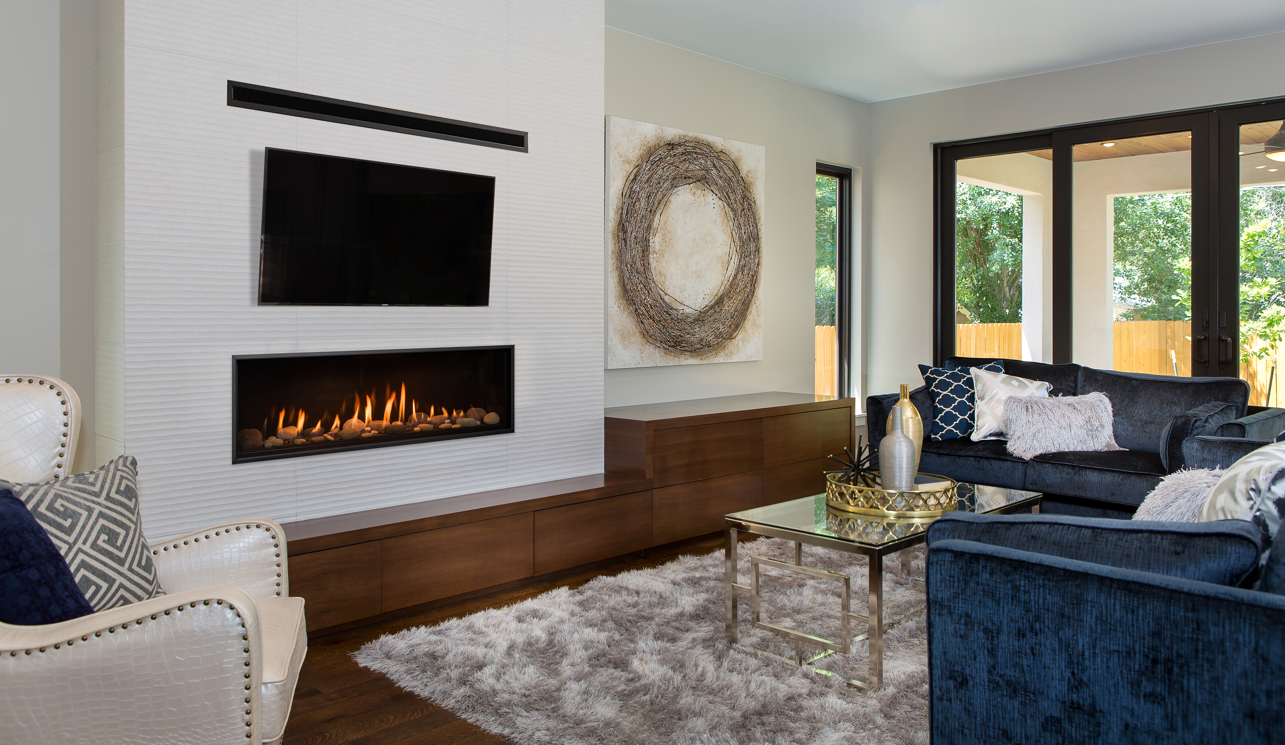 Another Image of the modern Callaway 50 gas fireplace made by Kozy Heat featuring a modern linear design.