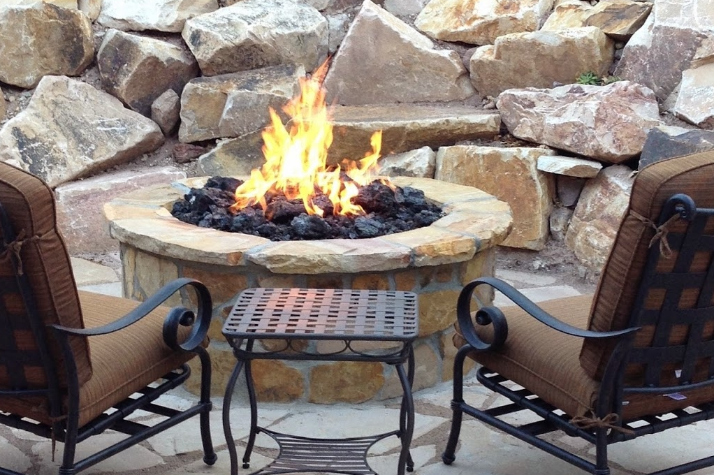 Image of a custom Warming Trends firepit.