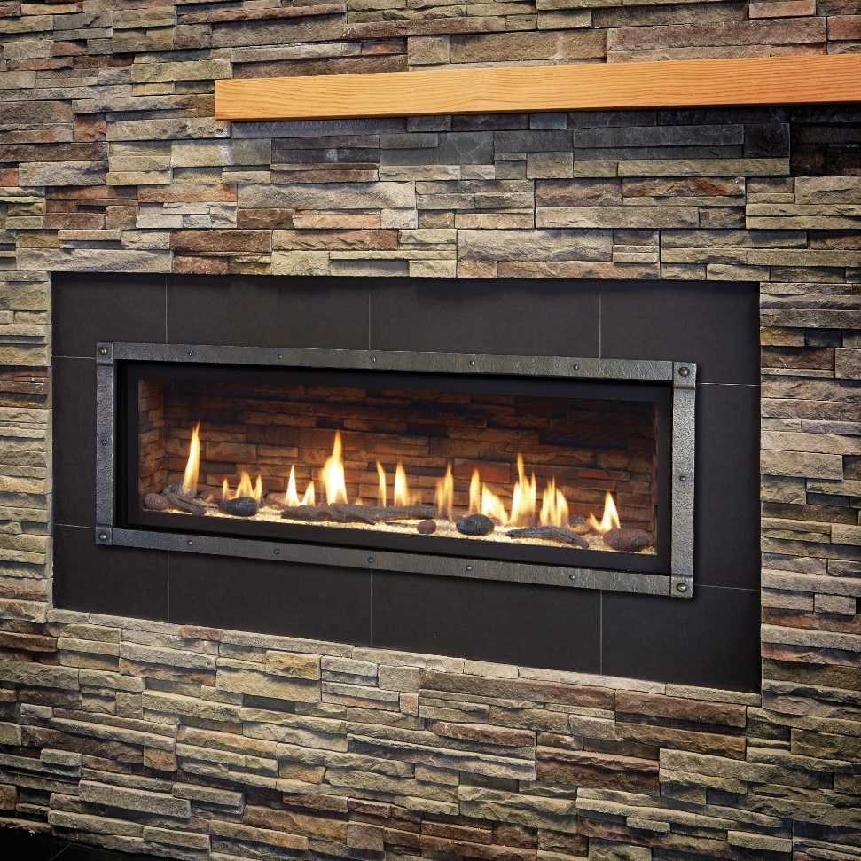 Image of the modern 4415 HO gas fireplace made by Fireplace Xtordinair featuring a modern linear design.