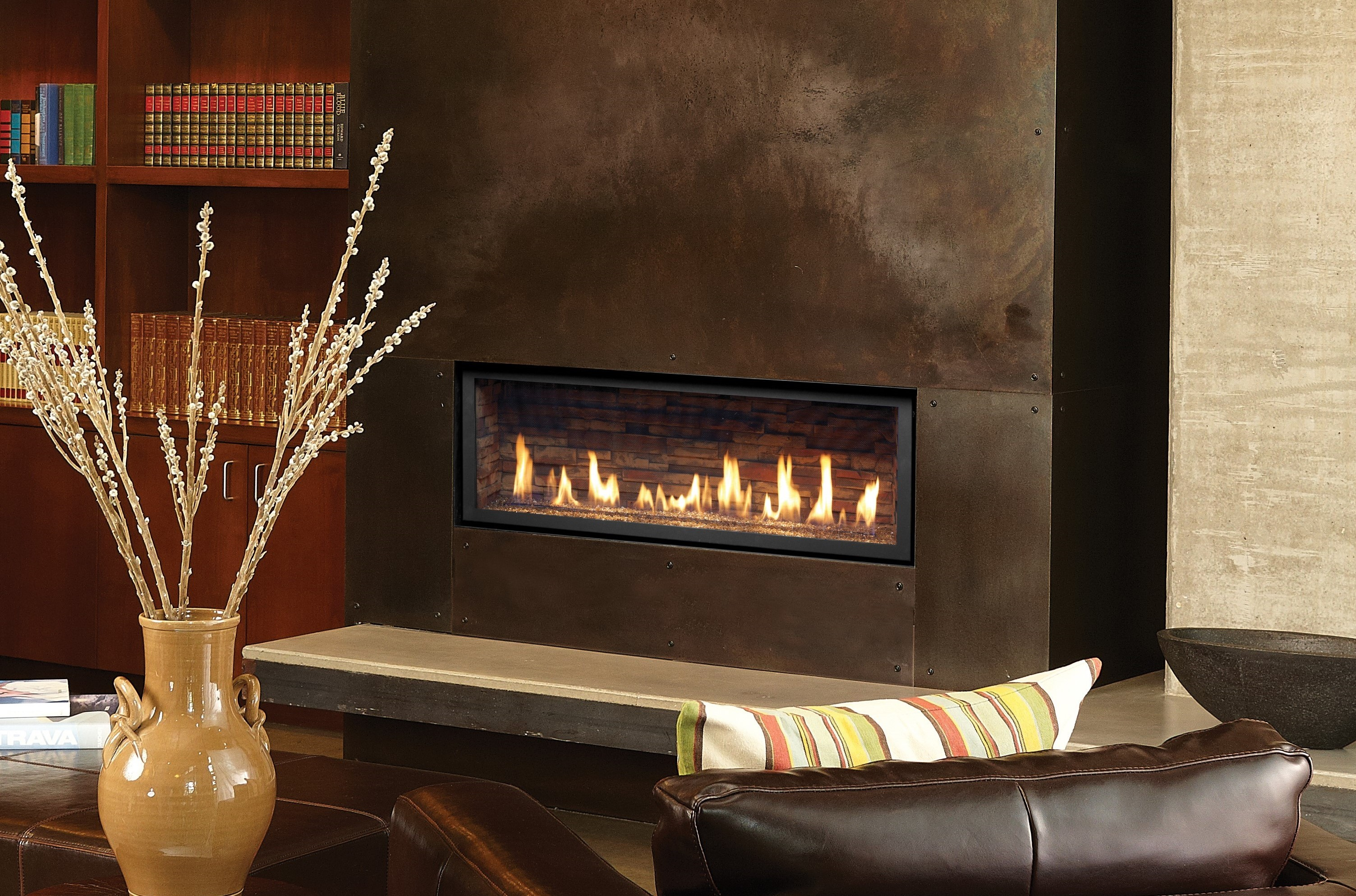 Another Image of the modern 4415 HO gas fireplace made by Fireplace Xtordinair featuring a modern linear design.