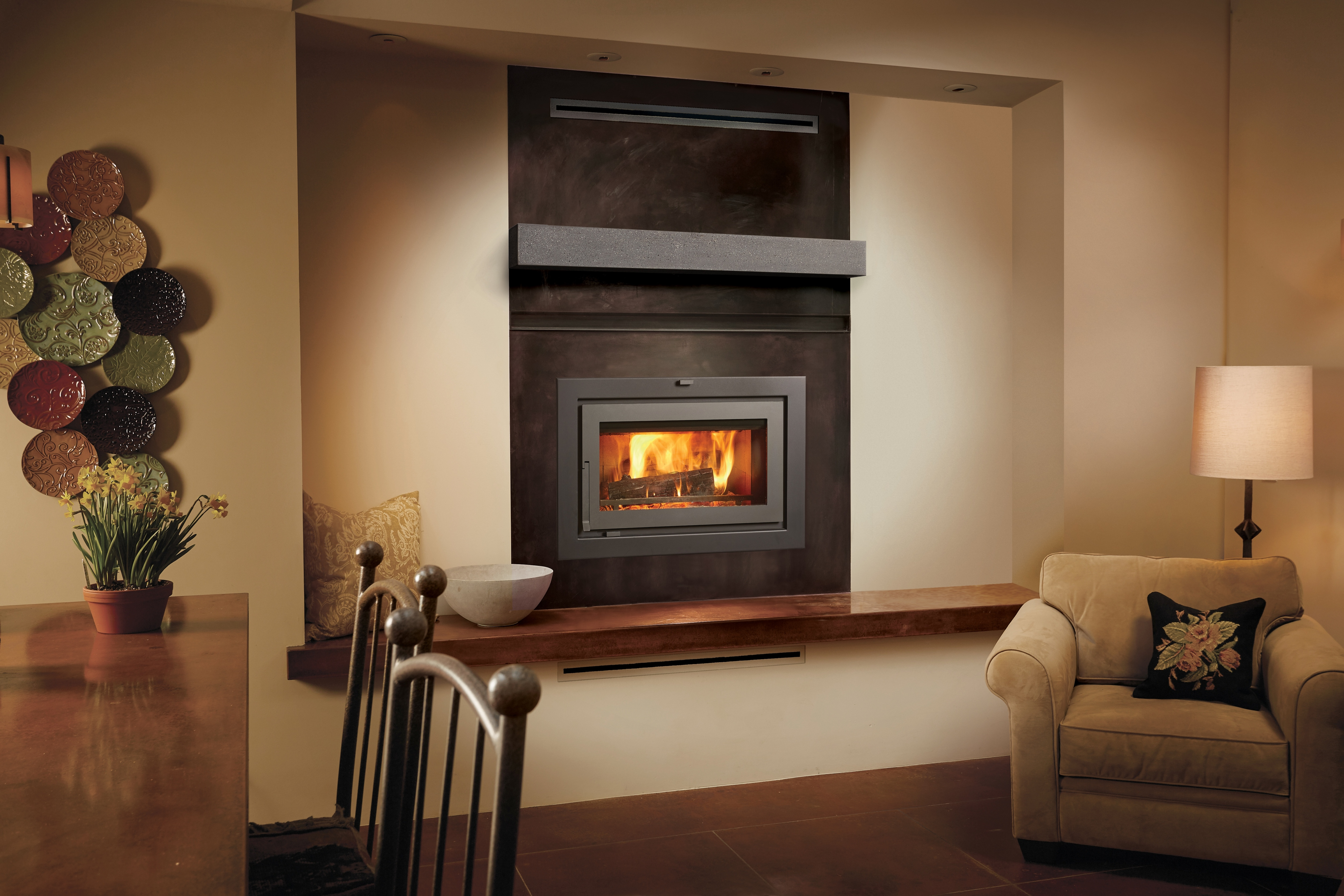 Another Image of the modern modern 42 Apex Clean Face woodburning fireplace featuring a traditional face.